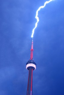 CN_Tower_Lightning2